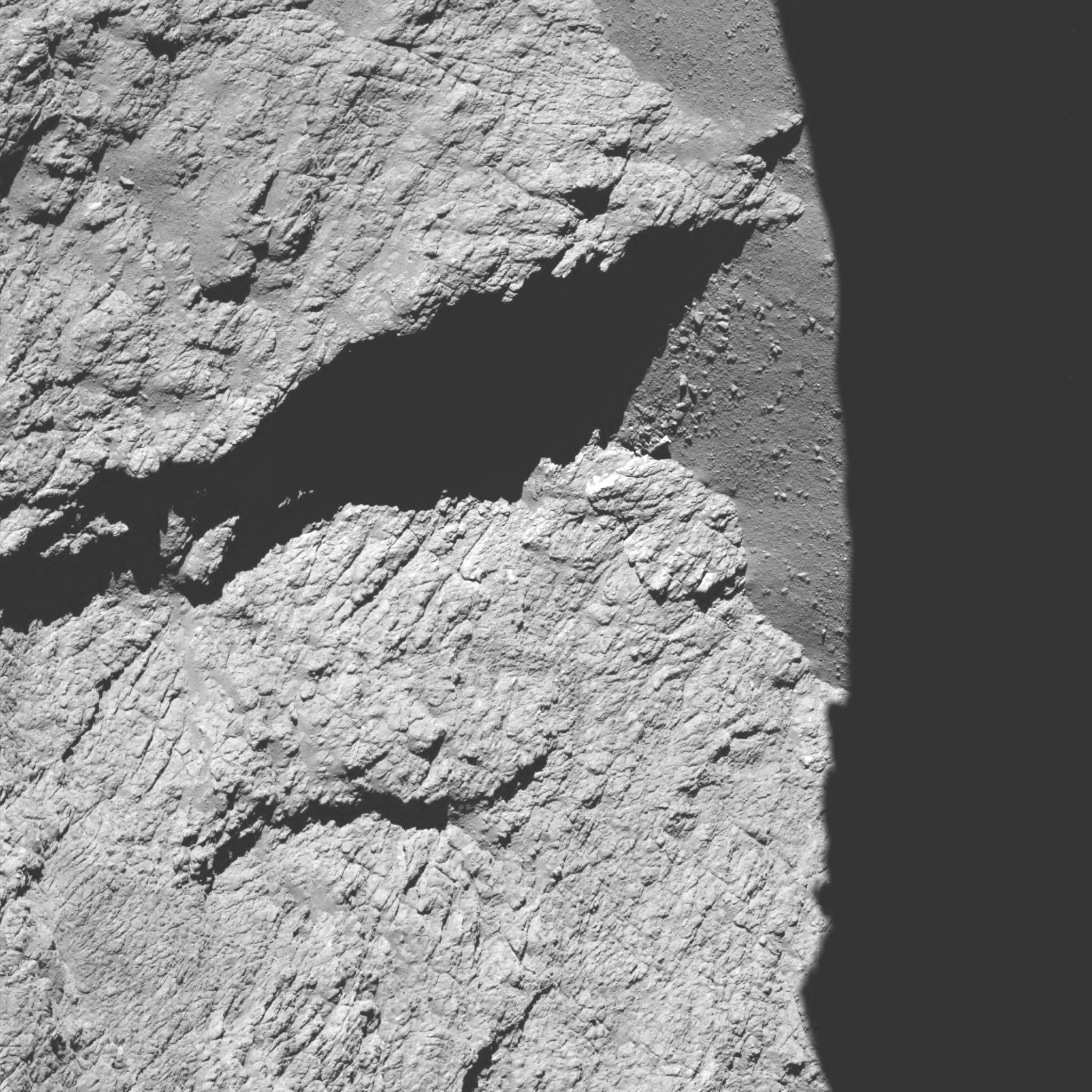 comet_from_11-7_km_narrow-angle_camera