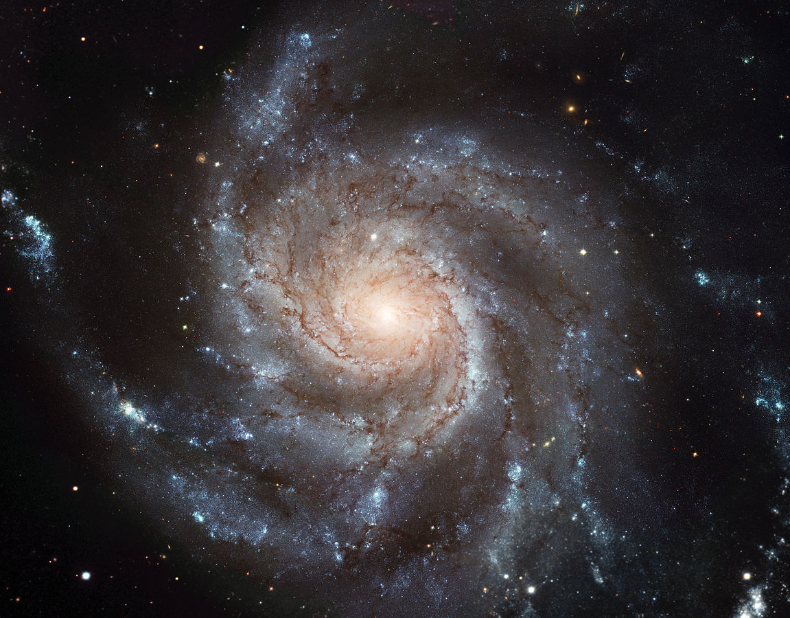 1151px-M101_hires_STScI-PRC2006-10a